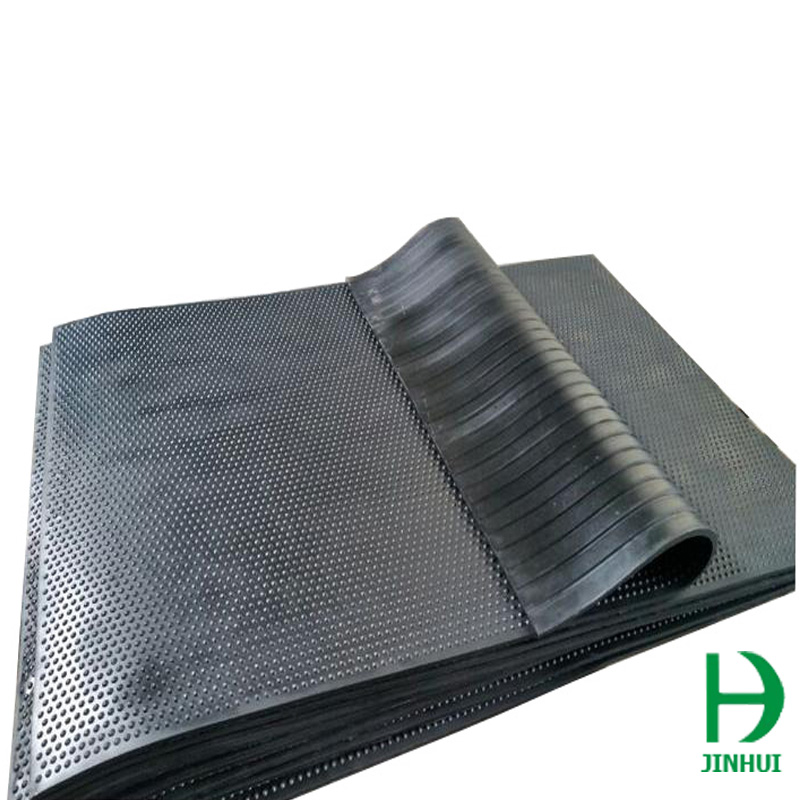 cattle-anti-slip-rubber-mat-4